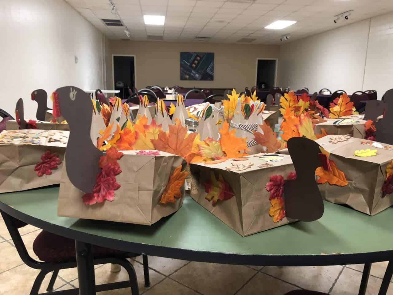MoNBeCreative Thanksgiving Craft Party